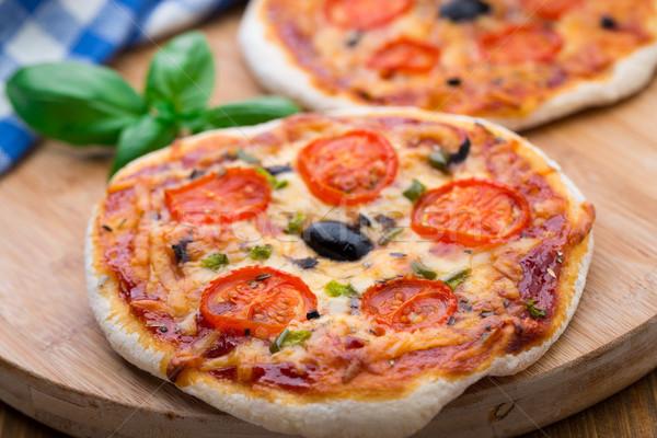 Foto stock: Vegetariano · mini · pizza · tomates · cherry · aceitunas