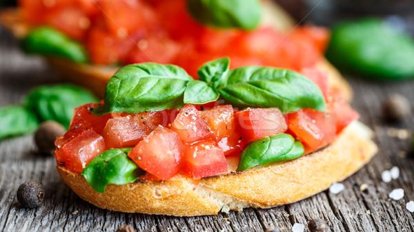 Domates bruschetta domates fesleğen kıyılmış tost Stok fotoğraf © vankad