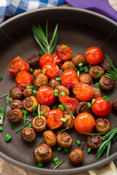 Funghi pomodorini pan funghi oggetto Foto d'archivio © vankad