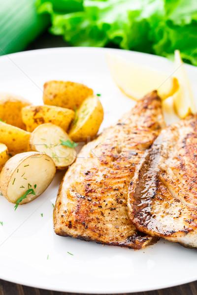 Sült makréla sült krumpli tányér hal Stock fotó © vankad