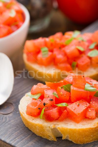 Italiano bruschetta tomates albahaca mesa alimentos Foto stock © vankad