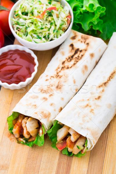 Kebab gegrild vlees groenten kip vlees salade Stockfoto © vankad