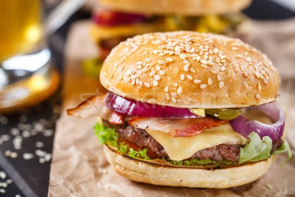 Burger wołowiny boczek ser Zdjęcia stock © vankad