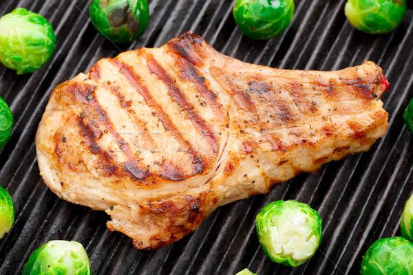 A la parrilla cerdo chuleta Bruselas delicioso carne Foto stock © vankad