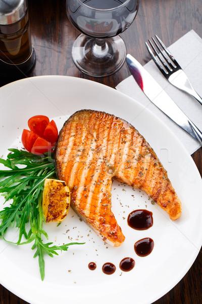 Grillezett lazac steak koktélparadicsom hal tányér Stock fotó © vankad