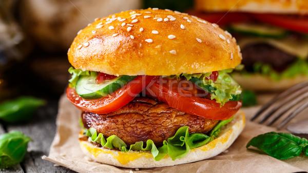 вегетарианский Burger гриль шампиньон томатный огурца Сток-фото © vankad