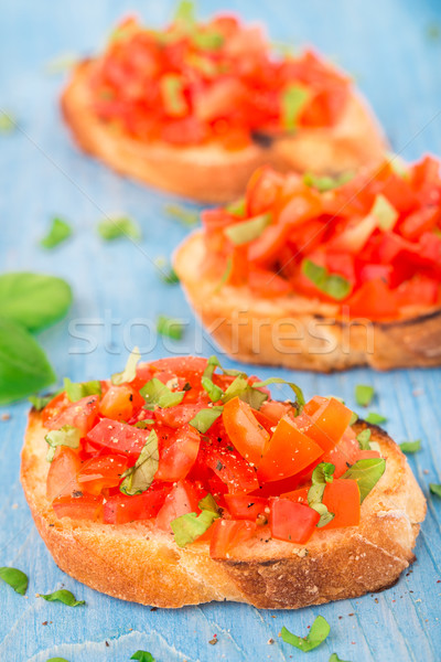 İtalyan domates bruschetta fesleğen yağ tost Stok fotoğraf © vankad