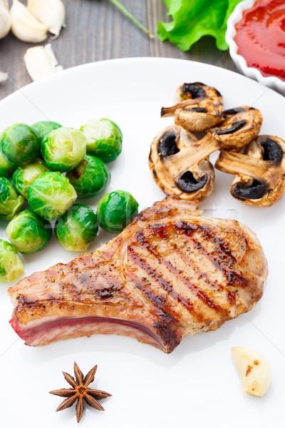 Grelhado carne de porco Bruxelas delicioso comida Foto stock © vankad