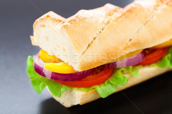 Vegetariano baguette sándwich lechuga tomates pimienta Foto stock © vankad
