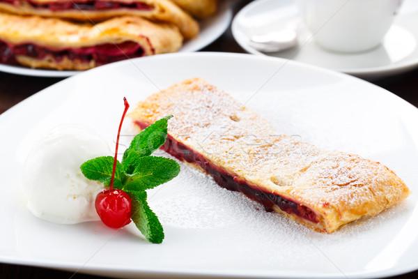 Вишневое ваниль мороженым пластина десерта Sweet Сток-фото © vankad