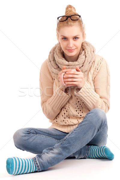 Loiro mulher copo bebida quente sessão Foto stock © vankad