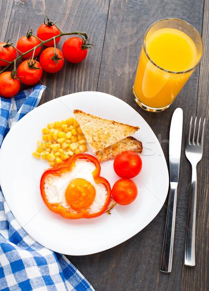 Sahanda yumurta tatlı kırmızı domates mısır Stok fotoğraf © vankad