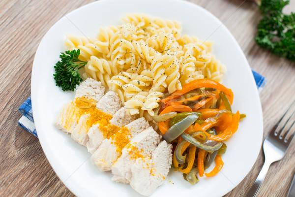 Stock fotó: Tészta · tányér · zöldségek · hús · étel · étterem