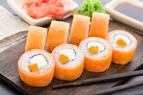 Sushis Philadelphie caviar saumon avocat Photo stock © vankad