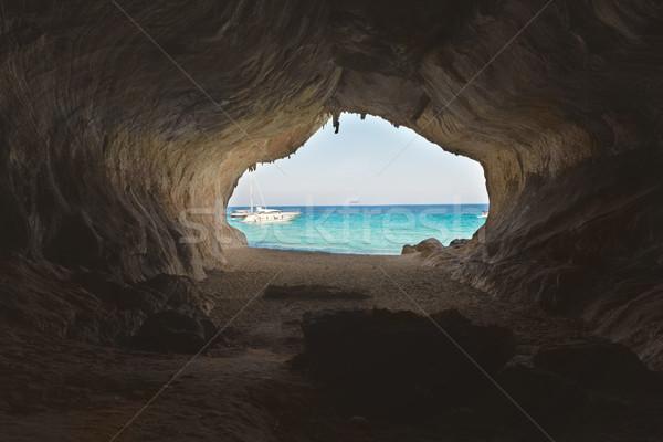 終了する ビッグ 洞窟 海浜砂 青 海 ストックフォト © vapi
