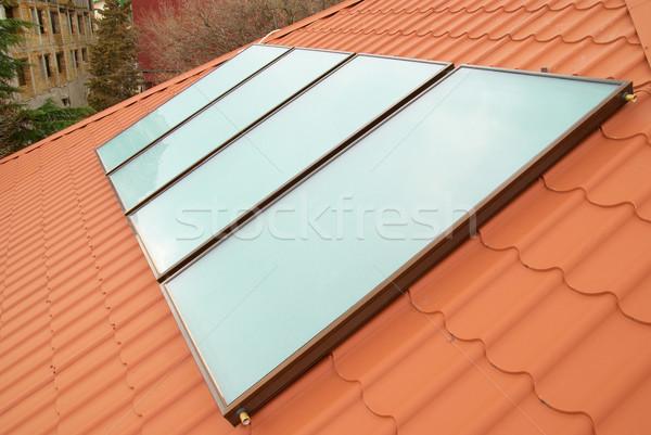 Foto stock: Solar · água · aquecimento · vermelho · casa · telhado