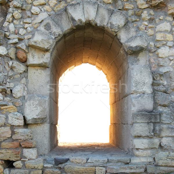 Sair parede antigo entrada lugar nenhum isolado Foto stock © vapi