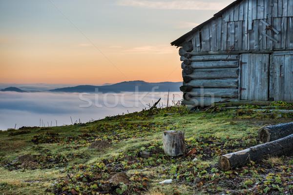 ストックフォト: 古い家 · 美しい · 自然 · 雲 · 海 · フィールド