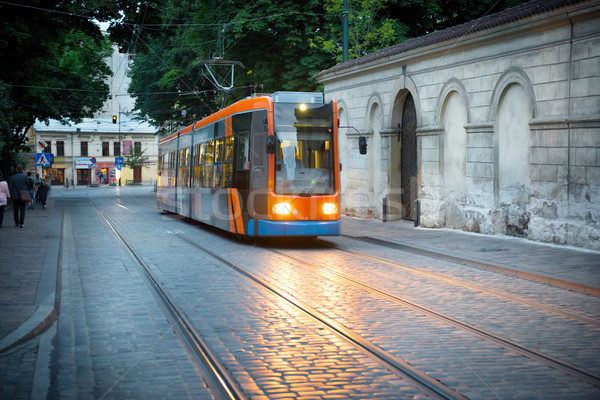 Tranvía europeo calle de la ciudad noche coche carretera Foto stock © vapi