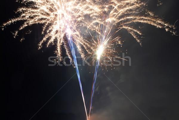 Stockfoto: Kleurrijk · vuurwerk · zwarte · hemel · brand · licht