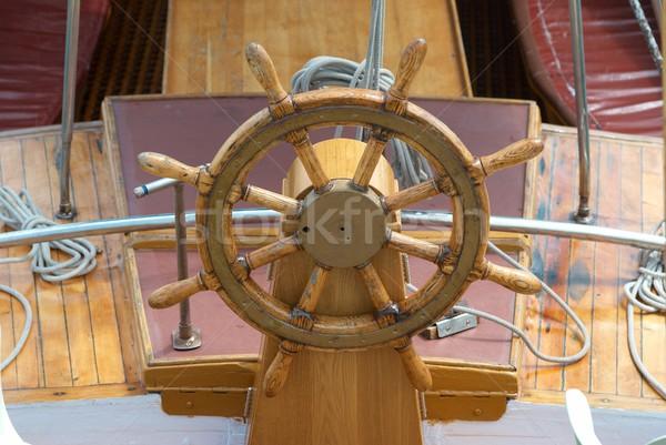 Starych łodzi kierownica drewna morza Zdjęcia stock © vapi