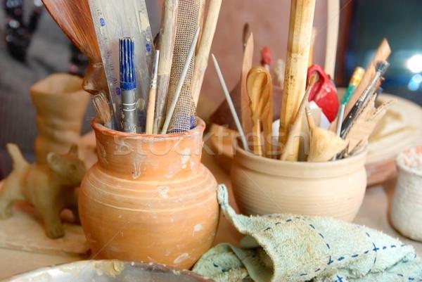 El yapımı eski kil kalemler diğer cam Stok fotoğraf © vapi
