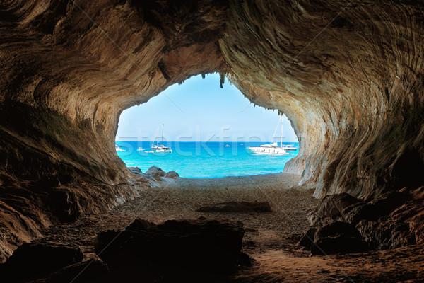 ストックフォト: 表示 · ビッグ · 洞窟 · ビーチ · 青