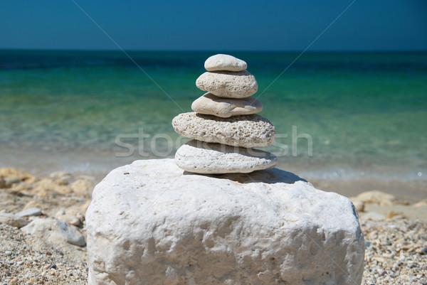 Torre piedras piedra cielo azul mar agua Foto stock © vapi