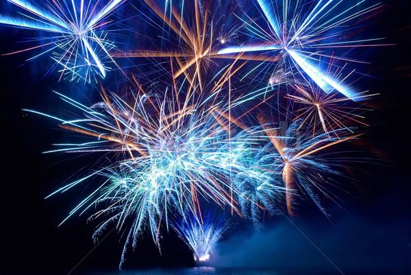 Coloré feux d'artifice bleu noir ciel vacances Photo stock © vapi