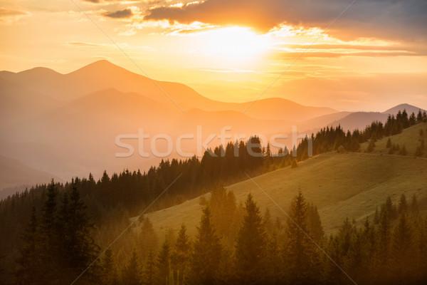 Güzel gün batımı dağlar dramatik manzara güneş Stok fotoğraf © vapi