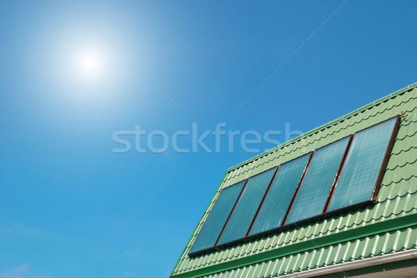 Sistema solar solar água aquecimento céu casa Foto stock © vapi