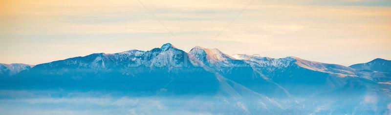 Panorama alto montanha alcance pôr do sol tempo Foto stock © vapi