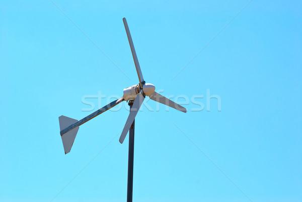 Wind generator elektrische turbine blauwe hemel licht Stockfoto © vapi
