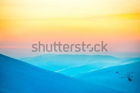 Landschaft Sonnenuntergang Hügeln Berge Schnee Himmel Stock foto © vapi