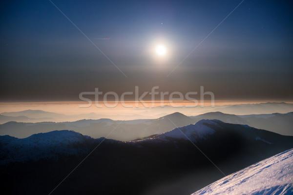 Alcance inverno montanhas noite branco neve Foto stock © vapi