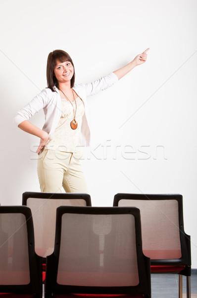 Kadın tanıtım sınıf işaret Stok fotoğraf © varlyte