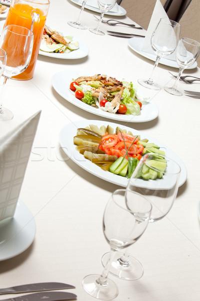 Salata plaka hizmet restoran tablo gıda Stok fotoğraf © varlyte