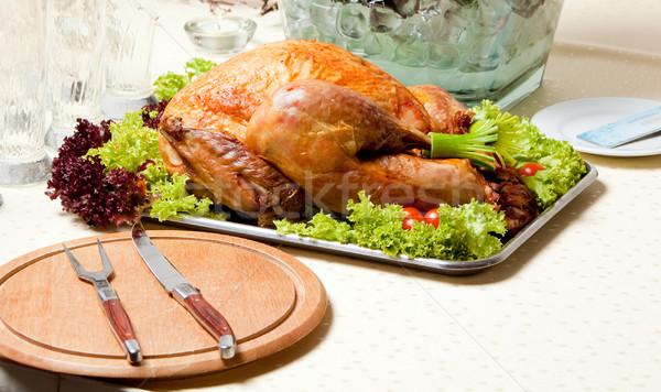 Büyük tavuk kızartma taze tavuk hizmet salata Stok fotoğraf © varlyte