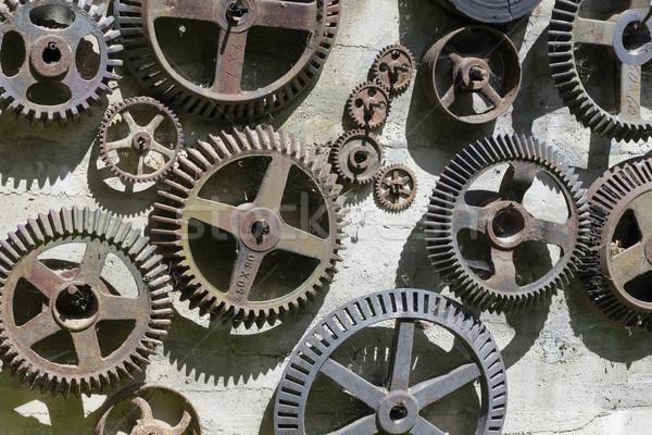 Tijd machine versnellingen muur ijzer Stockfoto © vavlt