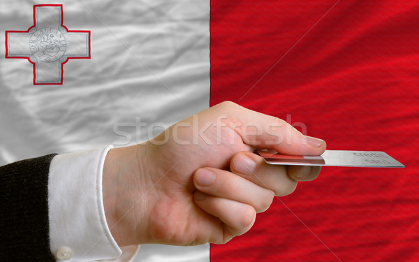 Zakupu karty kredytowej Malta człowiek na zewnątrz Zdjęcia stock © vepar5