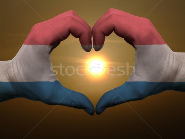Hart liefde gebaar handen gekleurd holland Stockfoto © vepar5