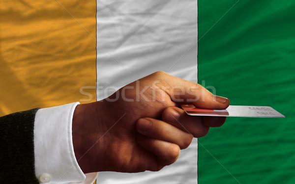 Vásárol hitelkártya Elefántcsontpart férfi nyújtás ki Stock fotó © vepar5