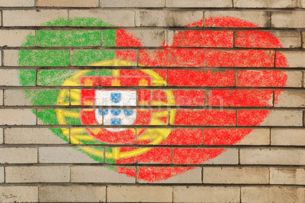 Kalp şekli bayrak Portekiz tuğla duvar kalp Stok fotoğraf © vepar5