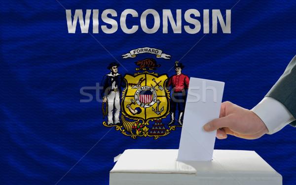 Foto stock: Hombre · elecciones · bandera · oeste · votación