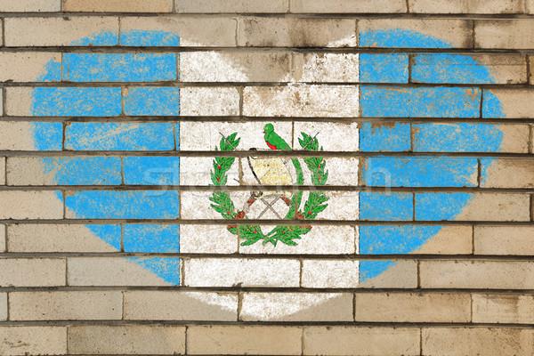 A forma di cuore bandiera Guatemala muro di mattoni cuore Foto d'archivio © vepar5