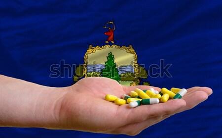 Compra cartão de crédito Vermont homem fora Foto stock © vepar5