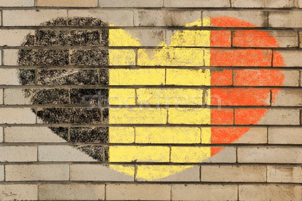 Kalp şekli bayrak Belçika tuğla duvar kalp Stok fotoğraf © vepar5