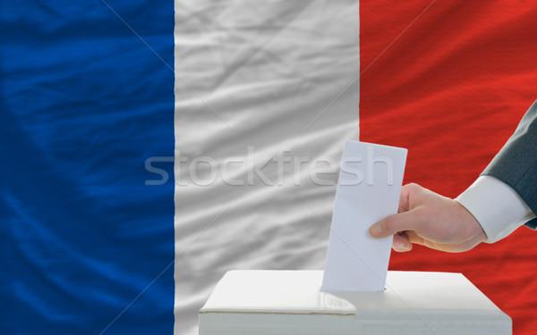 Foto stock: Hombre · elecciones · Francia · votación · cuadro