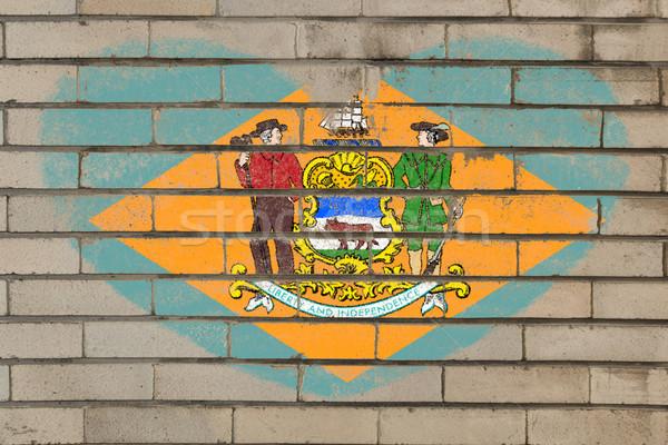 Kalp şekli bayrak Delaware tuğla duvar kalp Stok fotoğraf © vepar5