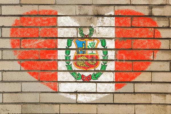 Kształt serca banderą Peru murem serca Zdjęcia stock © vepar5